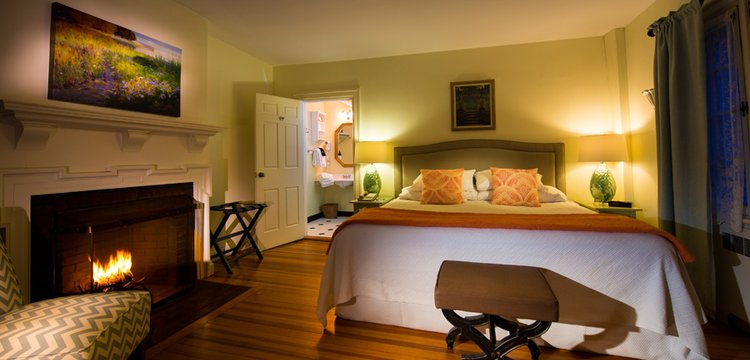 Key image for: Spring Luxury Lodging Specials